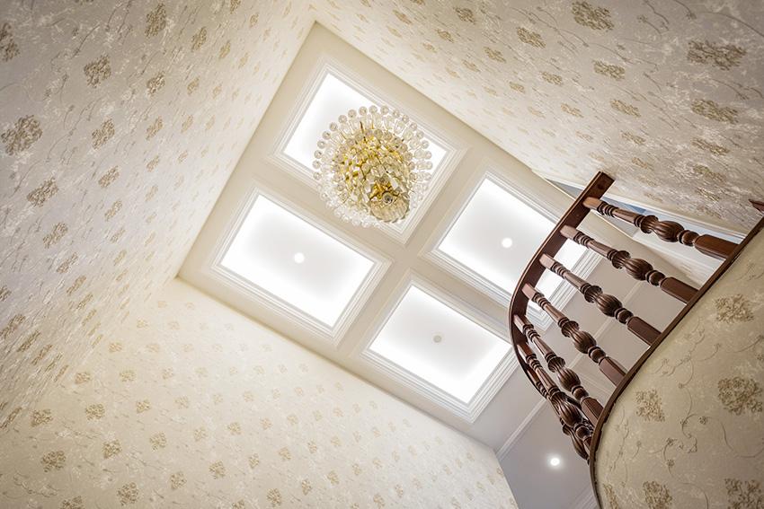 楼梯顶灯.jpg