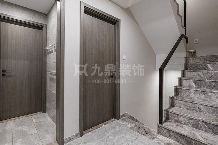 别墅楼梯装修实景图