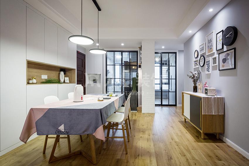 港式轻奢风格装修设计分享,打造充满时尚意味的家装